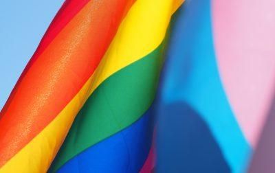 Was tun, wenn ich Opfer oder Zeuge einer homo- oder transphoben Straftat geworden bin?